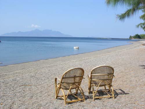 Indonesien Insel Flores Maumere Waiara Strand    Fotos vom Strandurlaub auf Flores Maumere in Oktober 2004