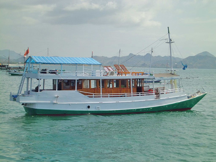 Boot to Rinca and Komodo Island - cabins with fan - Flores Island - Indonesia